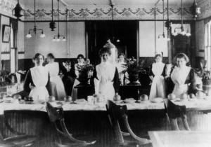Harvey-Girls-of-Somervillle-1910.jpg